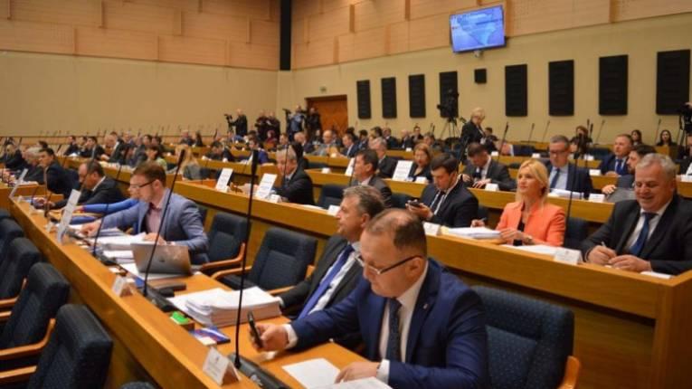 Ko je odgovoran zapropast dvije banke u Srpskoj?