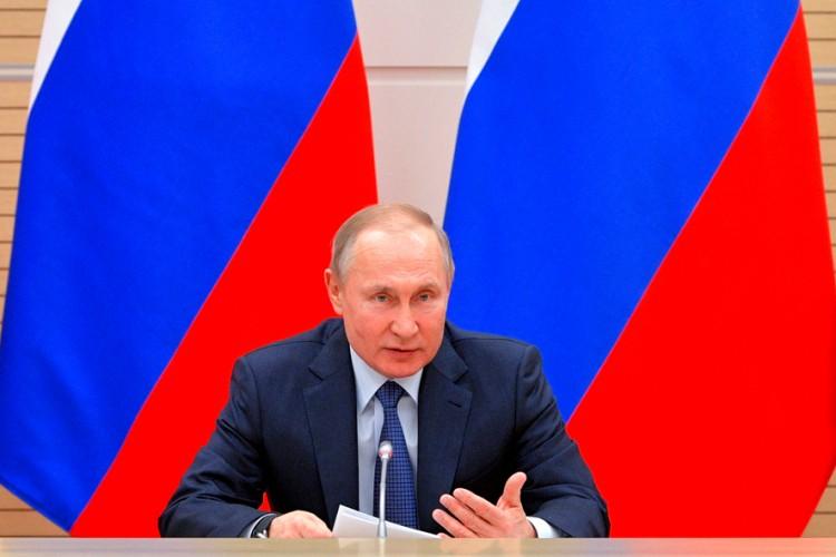 Putin: Dok sam ja predsjednik, roditelji će se zvati mama i tata