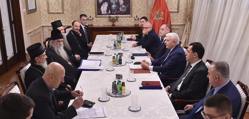 Crna Gora: Crkva traži promjenu zakona, Vlada način da se primijeni