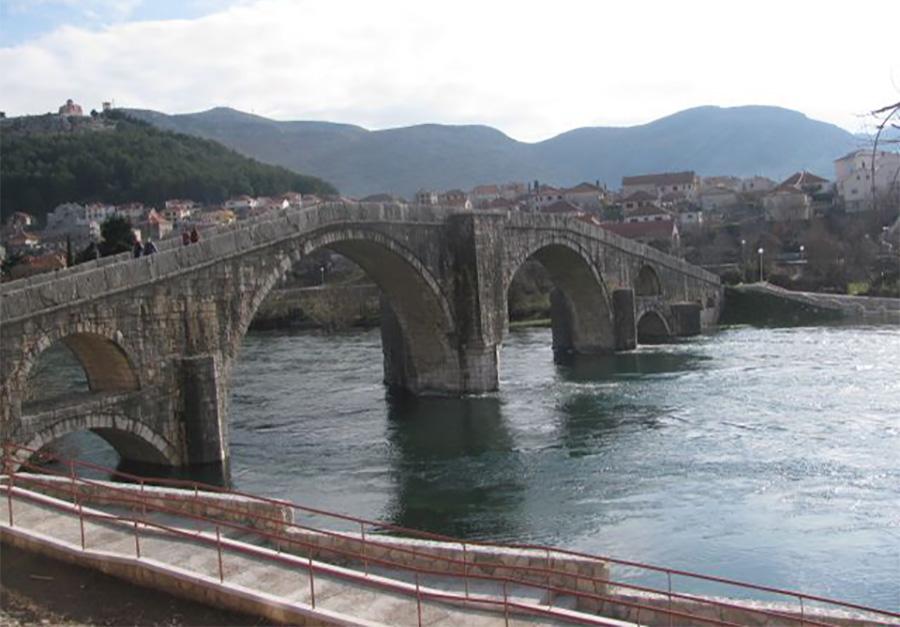 Starac skočio sa mosta u Trebišnjicu, tijelo primjetio prolaznik