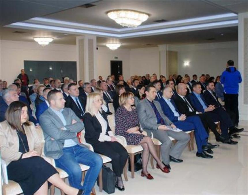 Dodik izdao naredbe: Dolaziti na posao, nema glasanja i odlučivanja na nivou BiH
