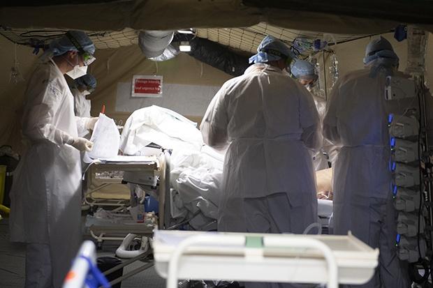 Italija: Za 24 sata umrlo 683 osobe, među žrtvama sve više ljekara