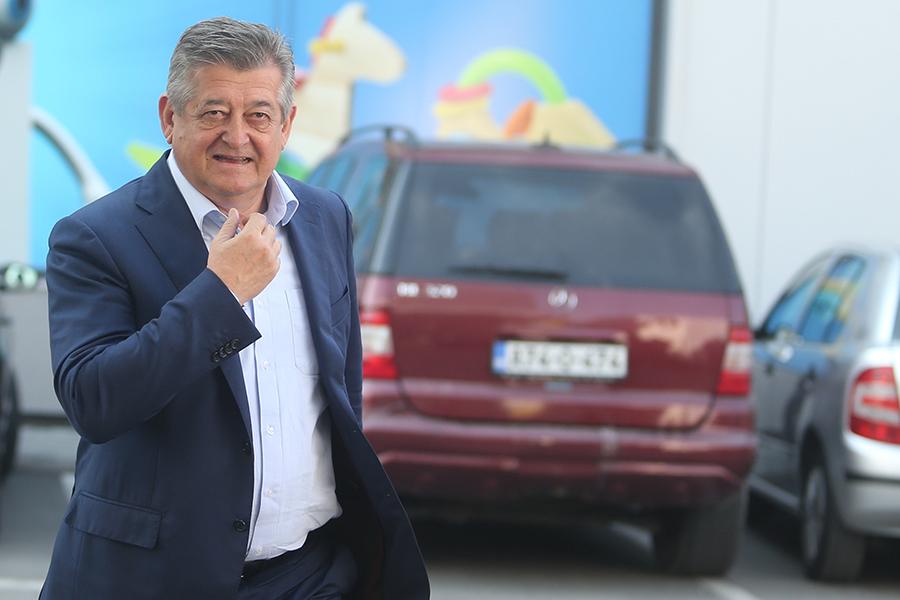 Sumorne političke prognoze za Mića Mićića i njegovu stranku