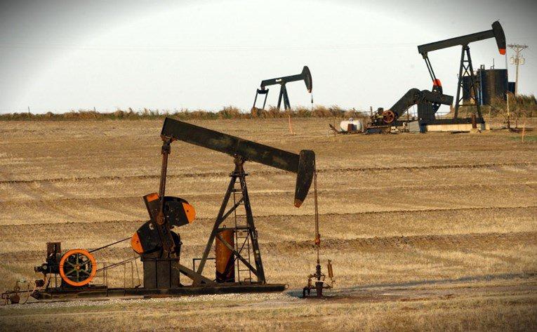 Nafta ide sa 70 na 20 dolara. Goldman Saks: Cijene nafte će drastično pasti