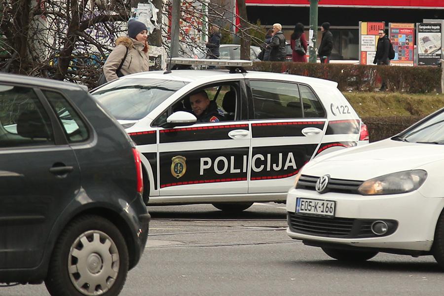 Uveden policijski čas i u Federaciji: Zabrana kretanja od 18 do pet sati ujutro