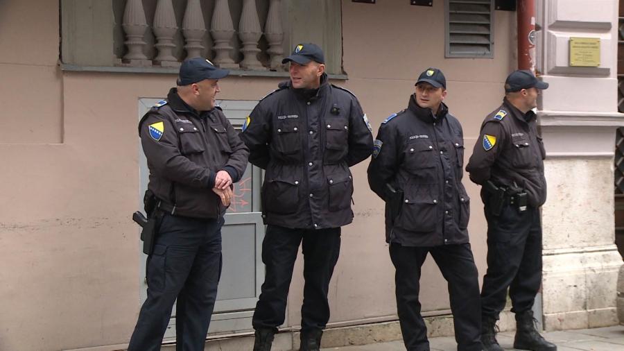Urgentne mjere u Vogošći: Blokirana cijela zgrada, zabranjen ulaz i izlaz svim osobama osim…