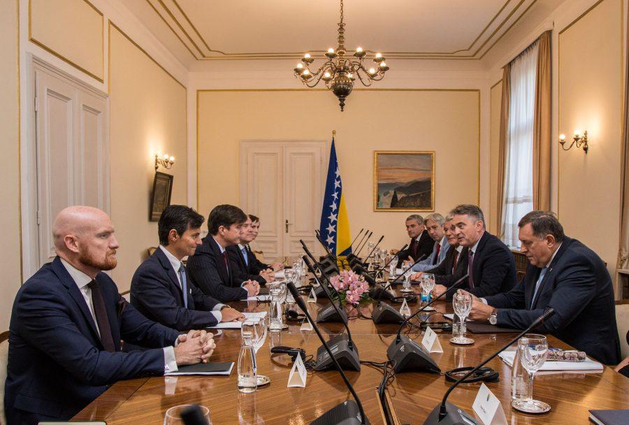 """""""Pet jahača Kvinte"""" Kako je Predsjedništvo BiH postalo slabo na zapadne ambasadore"""