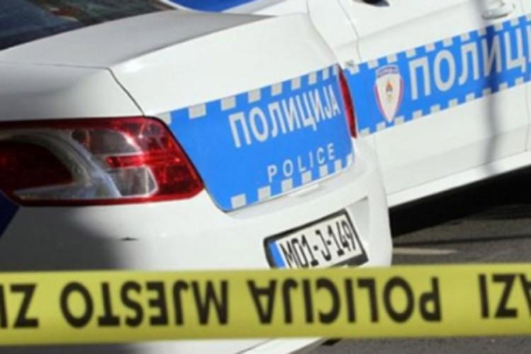 Oštetio dva bilborda i kancelariju političke stranke na Palama