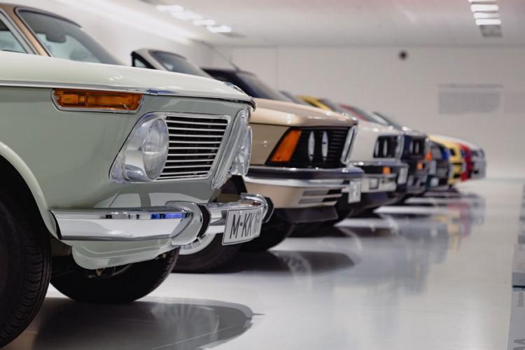 Pad prodaje automobila u aprilu za 76,3 odsto