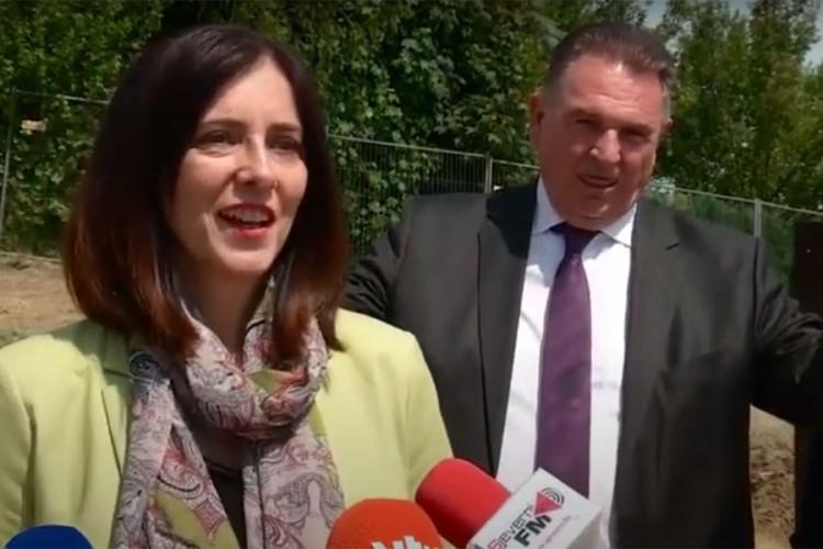 Župan se plazio i pravio grimase dok je hrvatska ministarka davala izjavu