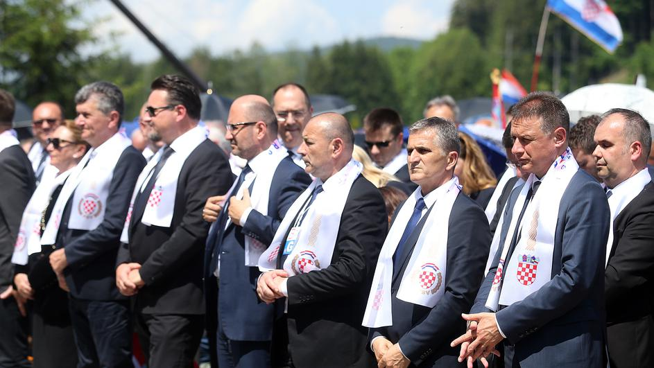 Osuđuju Blajburg, a ignorišu hrvatske zločine u ratu i Oluji