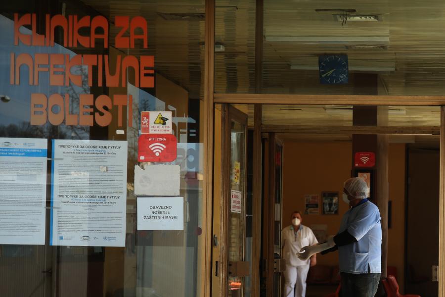 Nova žrtva opake zaraze: Muškarac iz Kotor Varoša koji je bio zaražen koronom preminuo u UKC RS
