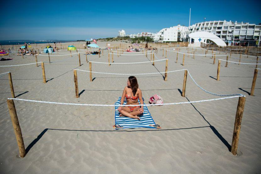 Da li će ovako biti i u Grčkoj? Evo kako su ogradili plaže u Francuskoj, ljudi su očajni