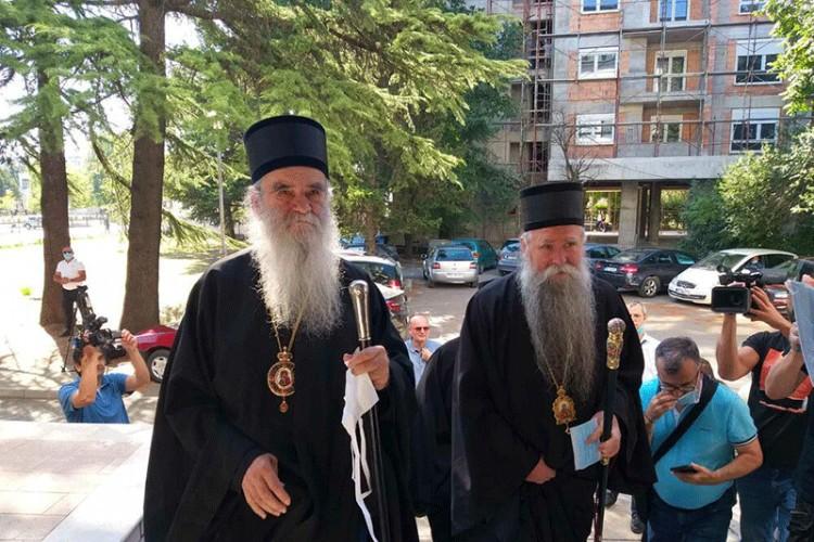 Suđenje episkopu Joanikiju i sveštenicima SPC odgođeno za 4. septembar