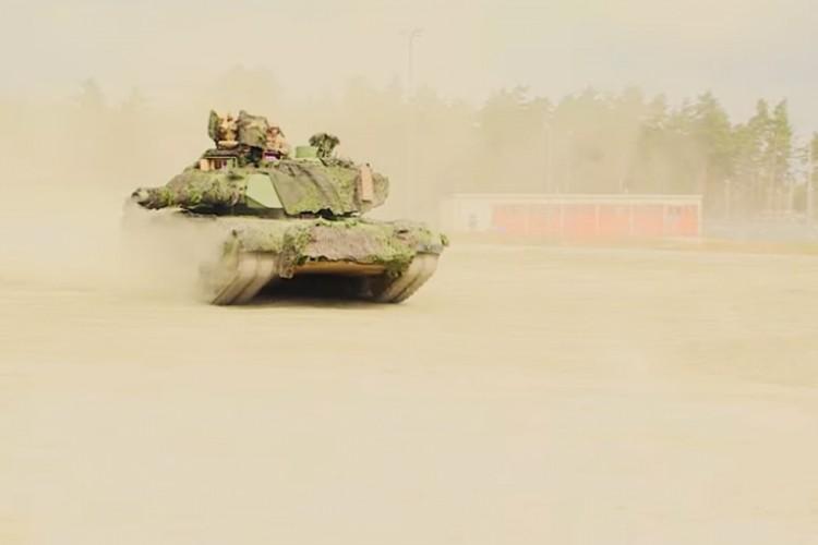 Incident u američkoj vojsci: Tenk granatom pogodio drugi
