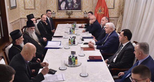 O. Velibor Džomić: Niko sa međunarodnih adresa nije optužio Crkvu da je ona prekinula ili odbila dijalog