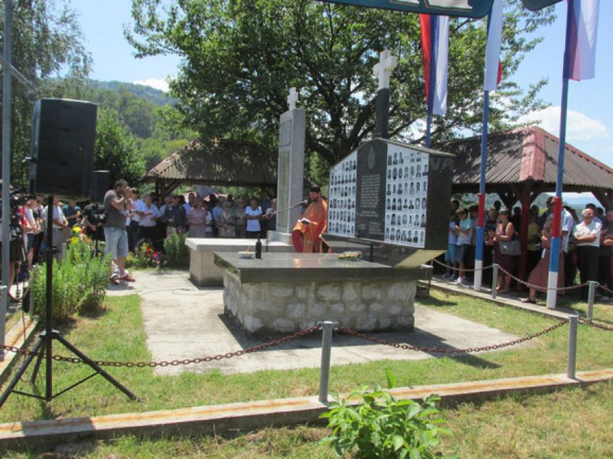 Parastos ubijenim Srbima u Zalazju kod Srebrenice
