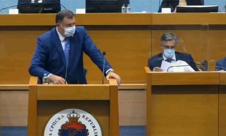 Izbezumljen: Dodik 47 puta ponovio istu riječ (VIDEO)