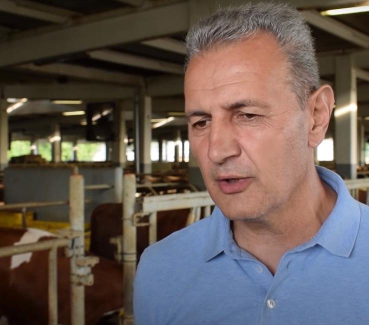 """""""Prinuđen sam da sve batalim"""" Najveći proizvođač mlijeka u Republici Srpskoj zatvara farmu"""
