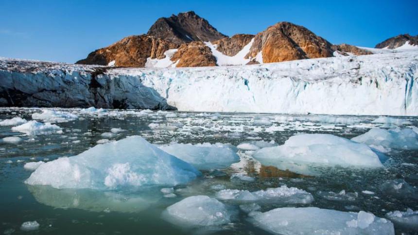 Odlomio se veliki komad leda na Grenlandu