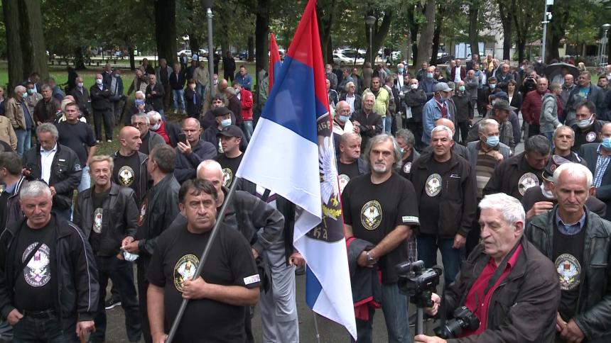 Veterani ostaju u parku do ispunjenja zahtjeva