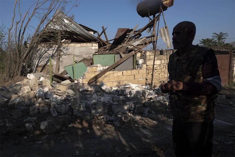 Ofanziva Azerbejdžana, Jermeni priznali da im je probijena linija odbrane