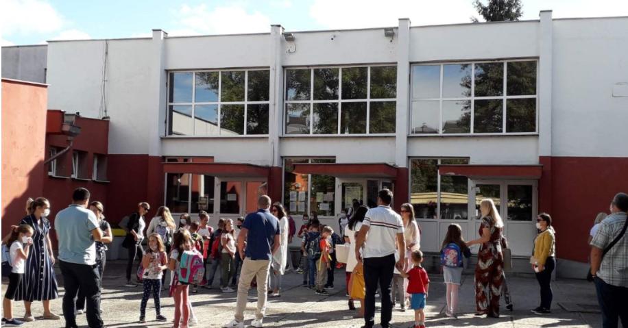 Nezadovoljstvo raste: Uz roditelje stali i prosvjetari, a građani Banjaluke danas organizuju protest