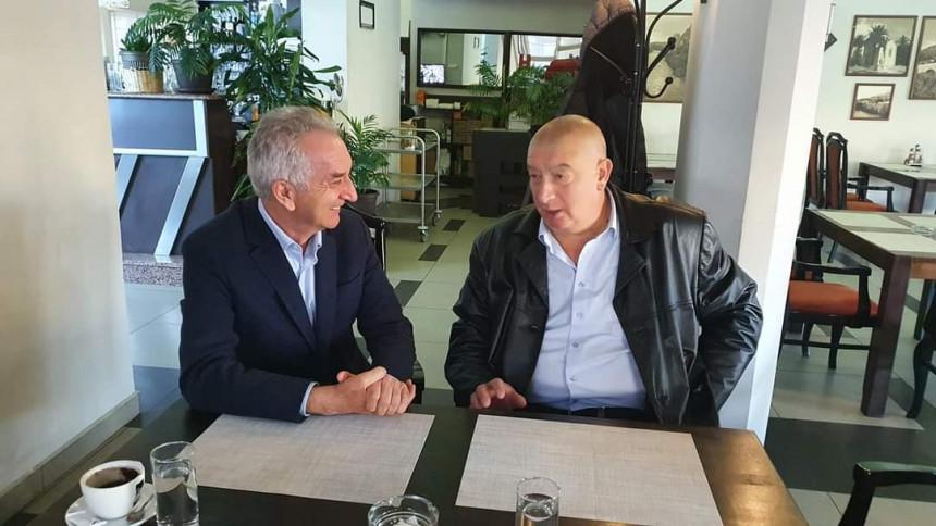 Šarović u ugodnom razgovoru sa Ilijom Stankovićem