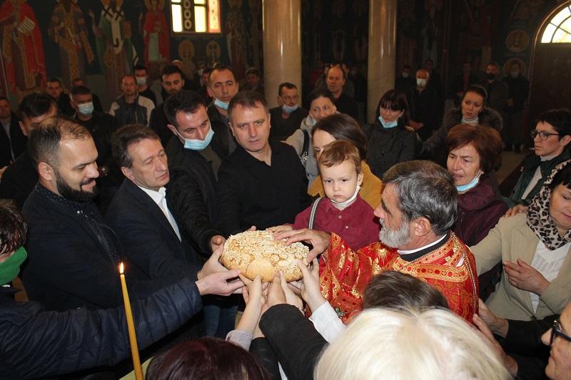 Ugljevik : Zdravstveni radnici obilježili krsnu slavu Aranđelovdan