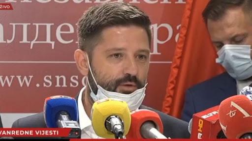 Da li Mićin poslanik Darko Mitrić krije koronu?