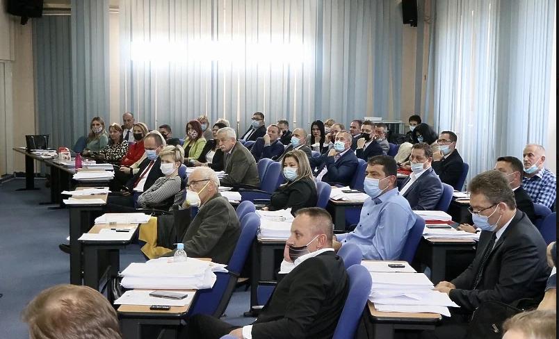 Pada SDA vlada u Tuzli: Prikupljeni potpisi nove većine, a među njima i SBB  - Istok
