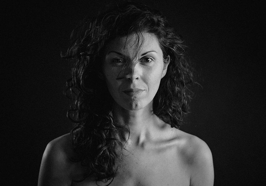 """""""Umjetnost na bilbordima jača od politike"""": Izložba Jelene Medić otvorila oči javnosti"""