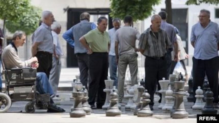 U BiH sve manje radnika, a sve više penzionera