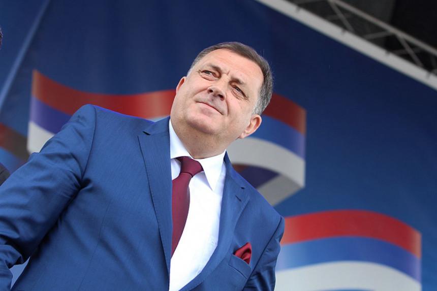 Preko porodice steže se obruč oko Milorada Dodika