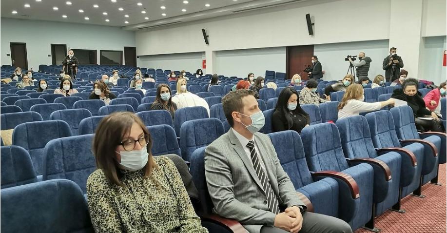 Još samo da stignu vakcine: Počela obuka zdravstvenih radnika za vakcinaciju u Republici Srpskoj