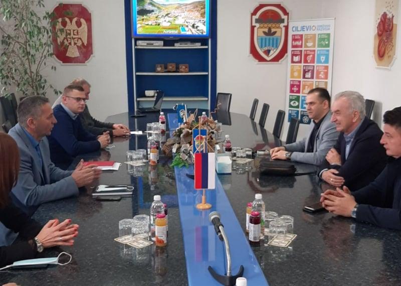 Mirko Šarović, Miladin Stanić, Milan Radović, Nenad Abramović i Đorđe Milićević u posjeti opštini Ljubinje
