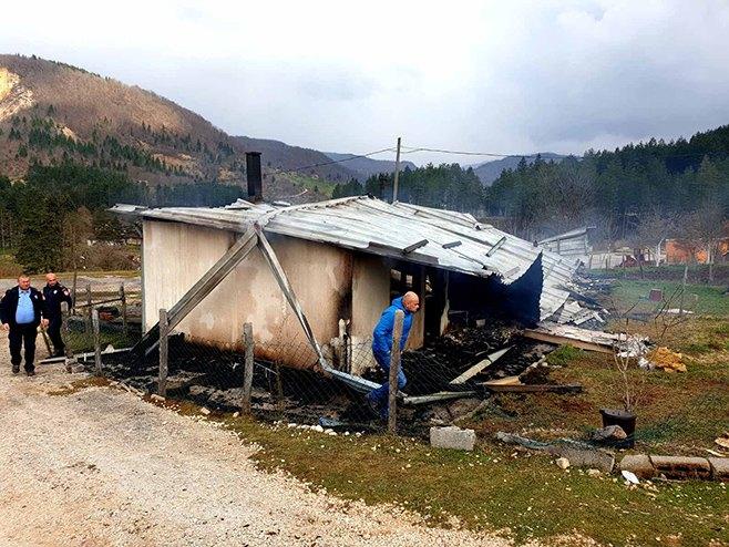 U Miljevini izgorjele barake porodice poginulog borca i udovice RVI (FOTO)