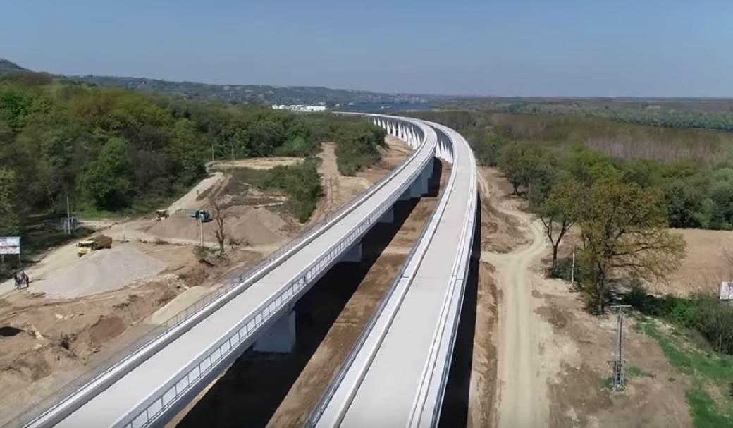 Vojvodinom 200 km na sat u vozu (video)