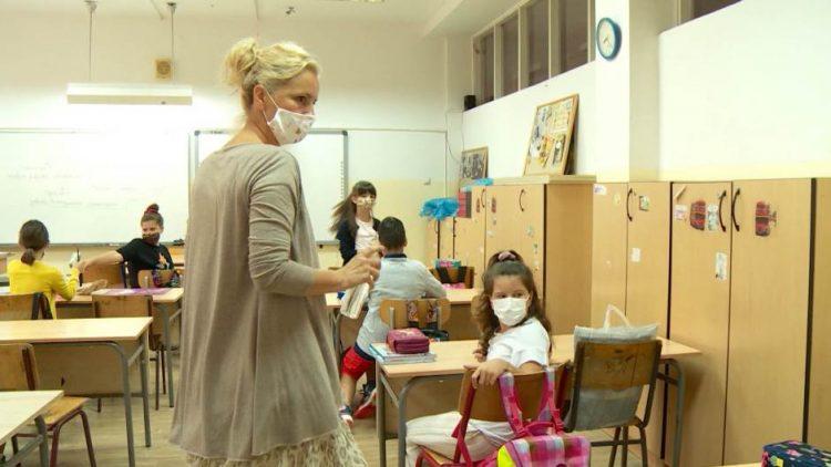 Švedski zvaničnik: Školski sistem u Srbiji staromodan, nastavnici autoritarni