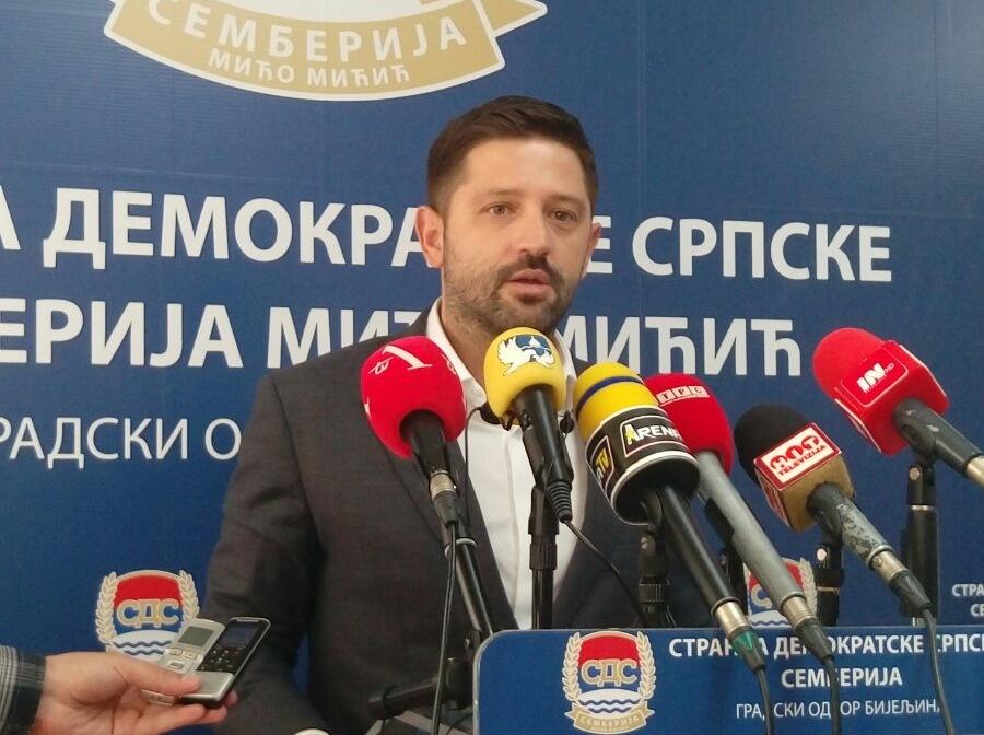 I Darko Mitrić nagrađen direktorskom foteljom za izdaju