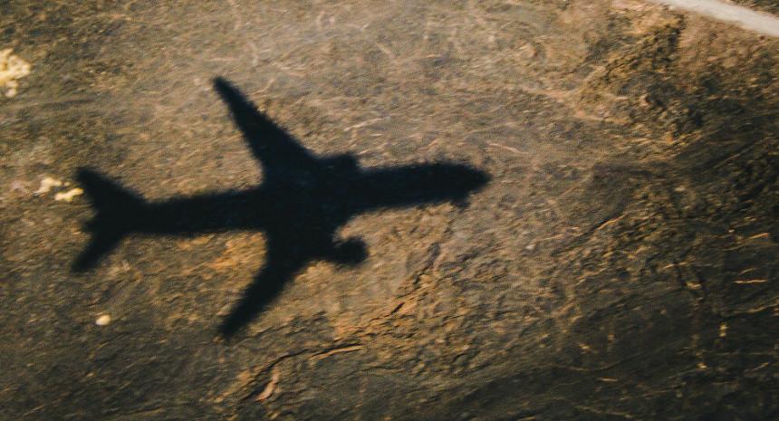 Poginulo 12 ljudi u padu vojnog aviona, dvoje preživjelo