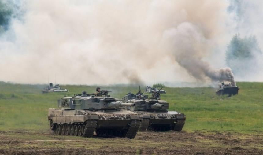 Naređena mobilizacija – Rusi ukopali tenkove na granici