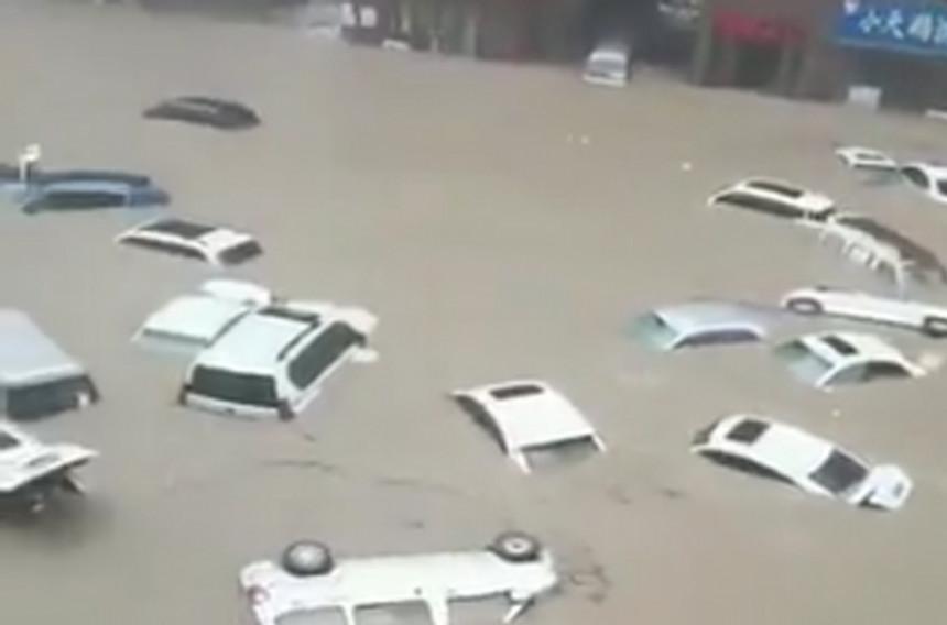 Nezapamćene poplave pogodile Kinu, ima poginulih