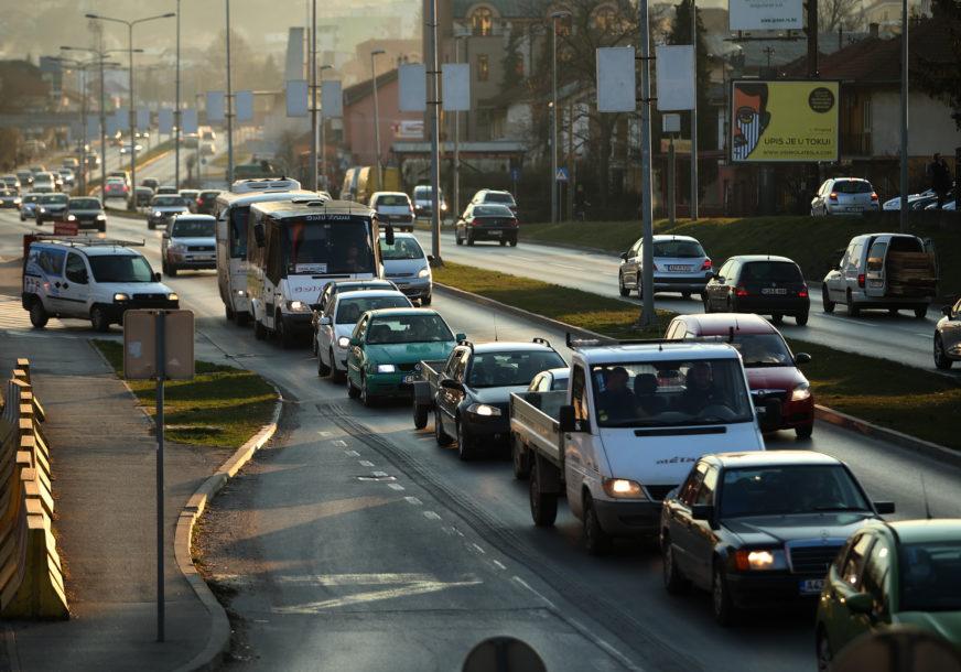 Saobraćaj uredan na većini pravaca: Izbjegavati putovanja u najtoplijem dijelu dana