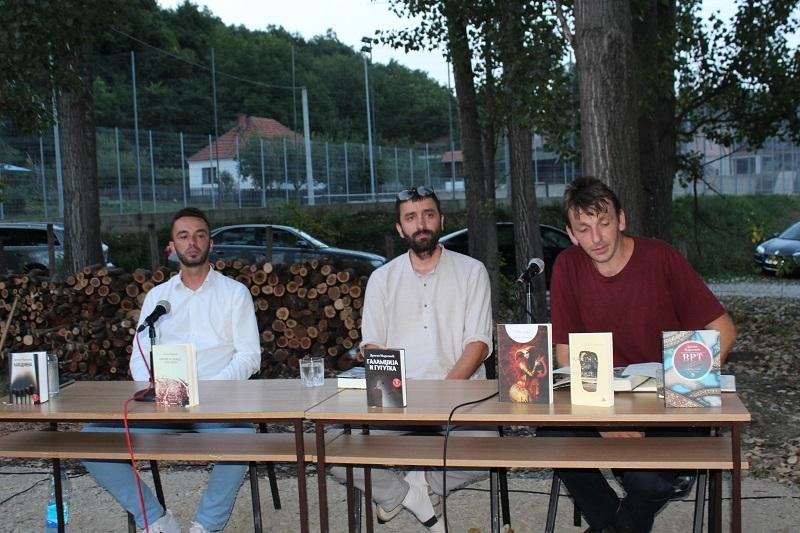 """Ugljevik: Promovisana knjiga """"Vrt"""" pjesnika Dragana Markovića"""
