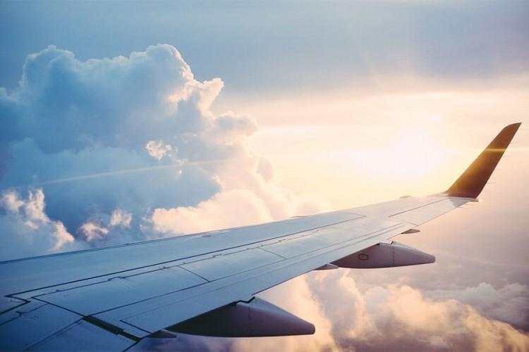 Žena iz Čikaga zakasnila na let, pa slagala da je u avionu bomba