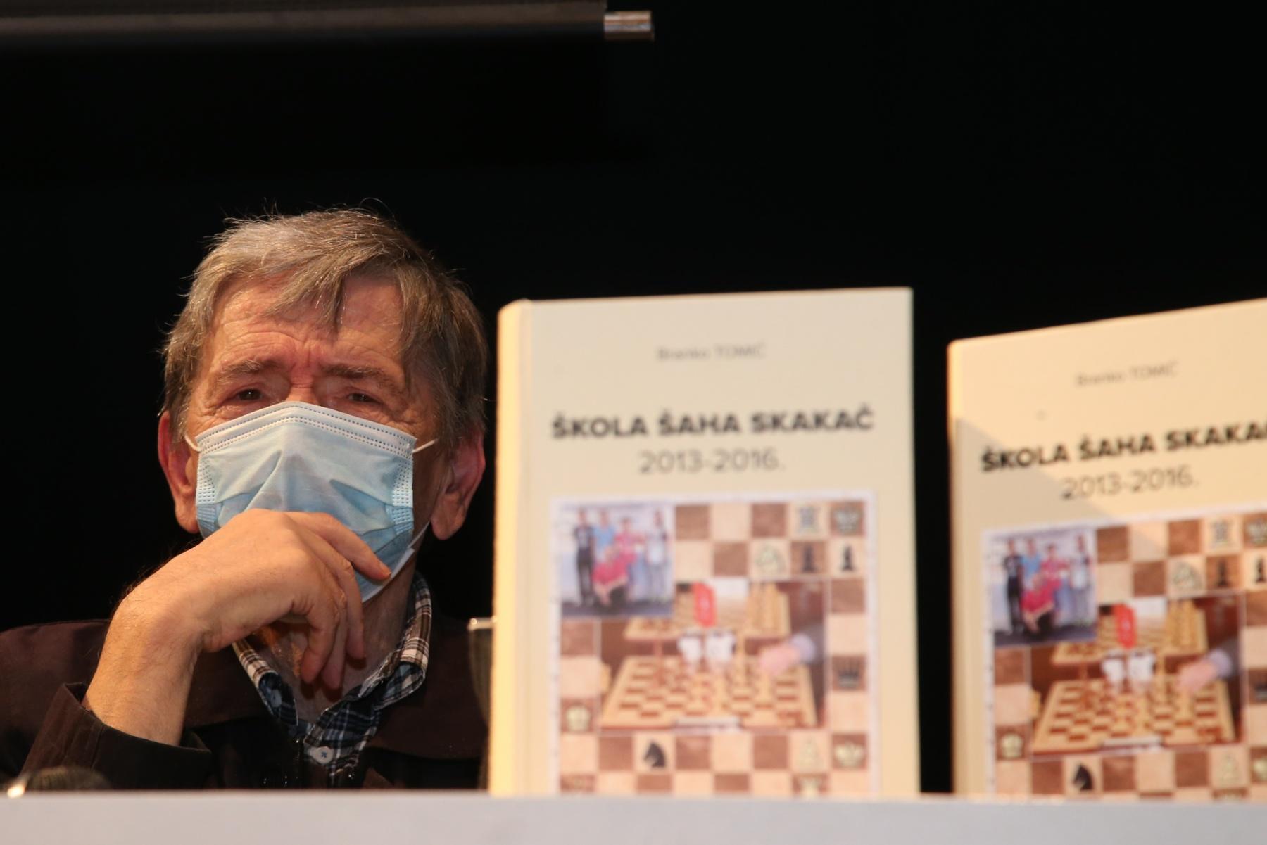 Zoran Mačkić