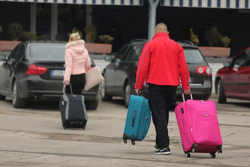 Migracije pustoše BiH, sve više odlaze cijele porodice