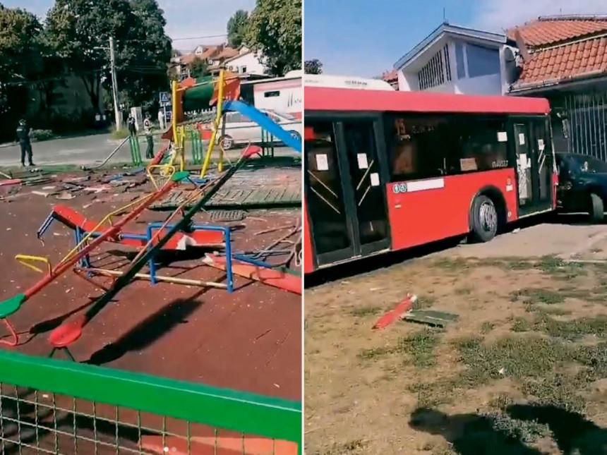Evo kako je vozač izgubio kontrolu nad autobusom (VIDEO)