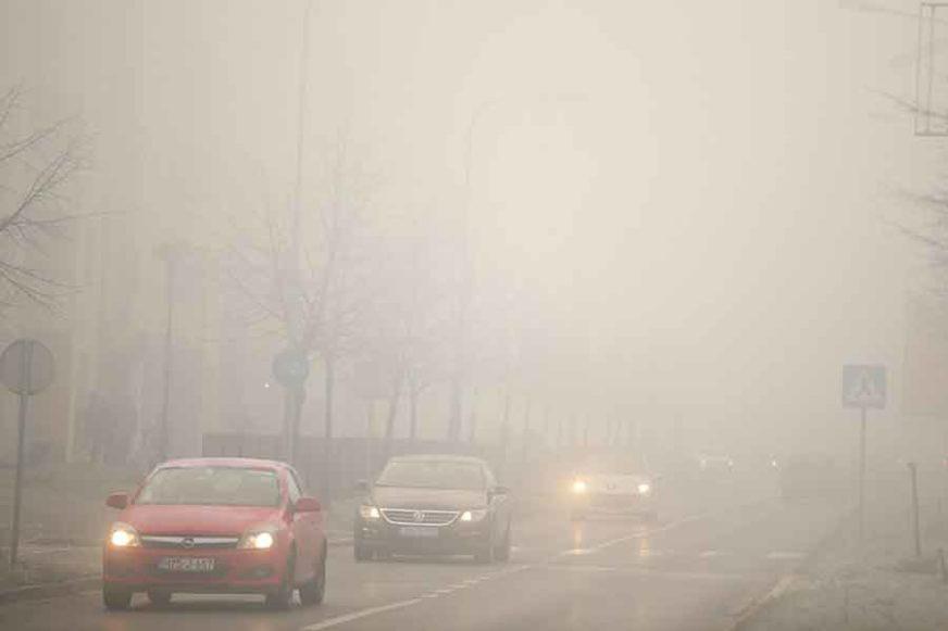 Klizavi kolovozi, magla u kotlinama: U usjecima povećana opasnost od odrona